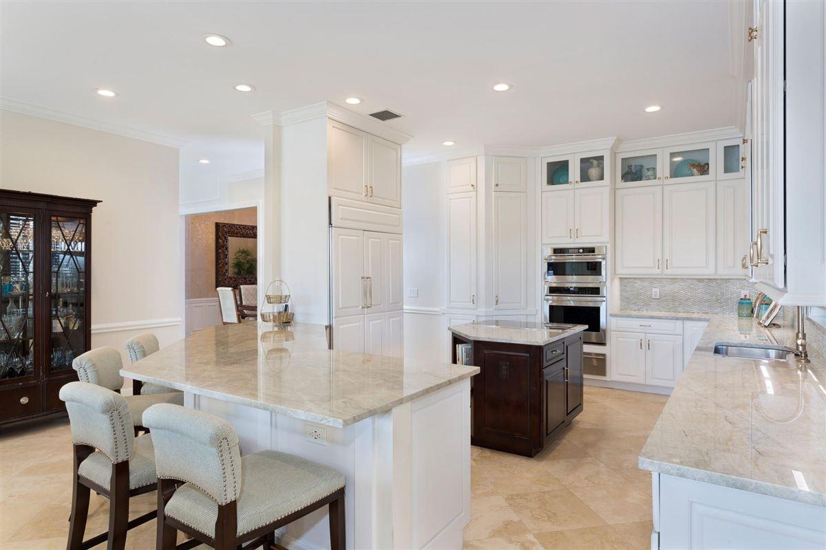 Luxury real estate deepwater estate in exclusive Ocean Ridge