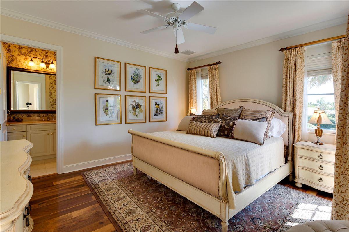 Mansions in deepwater estate in exclusive Ocean Ridge