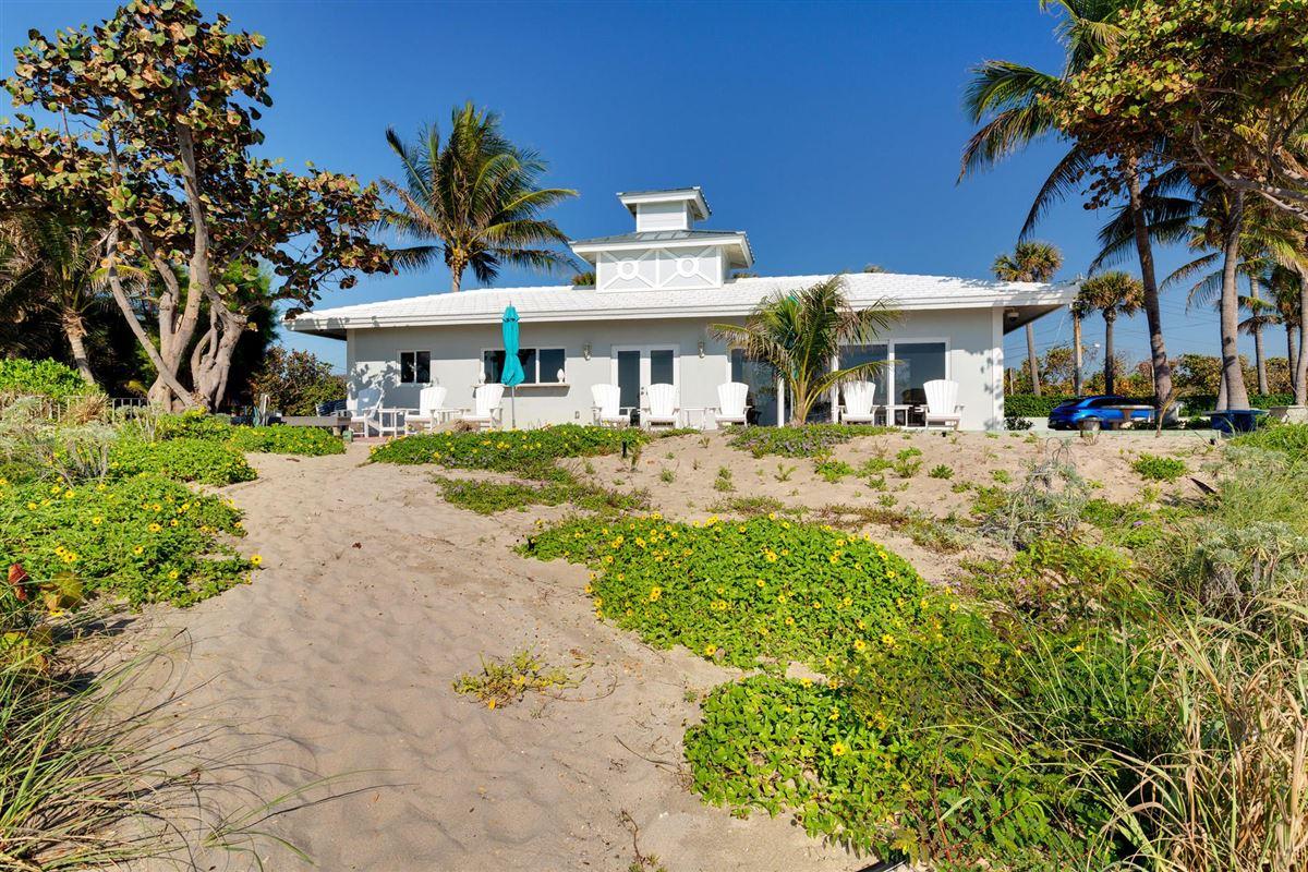 Luxury homes deepwater estate in exclusive Ocean Ridge