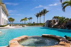 Luxury homes New Oceanfront Residence in Vero Beach