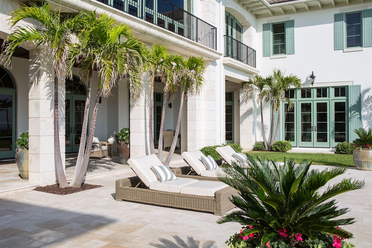 New Oceanfront Residence in Vero Beach luxury homes