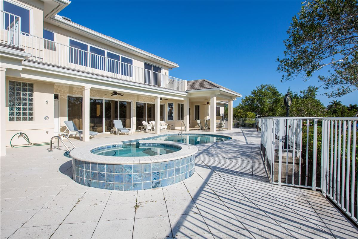 Luxury real estate Riverfront home in Seagrove West