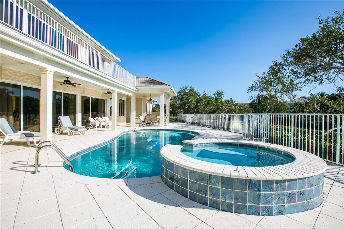 Riverfront home in Seagrove West luxury real estate