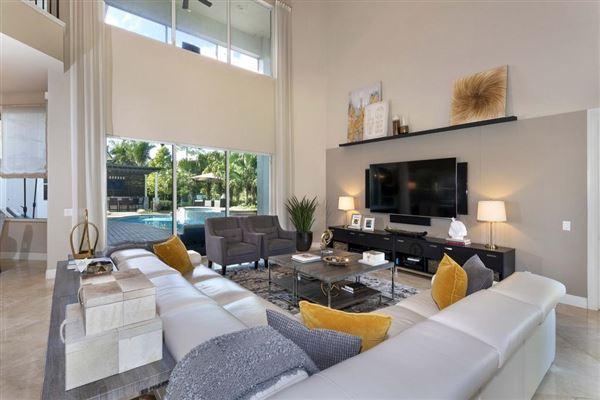 Luxury real estate A Glamorous Estate