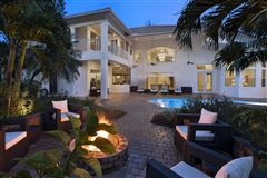 Mansions A Glamorous Estate