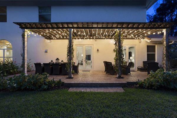 Luxury homes A Glamorous Estate