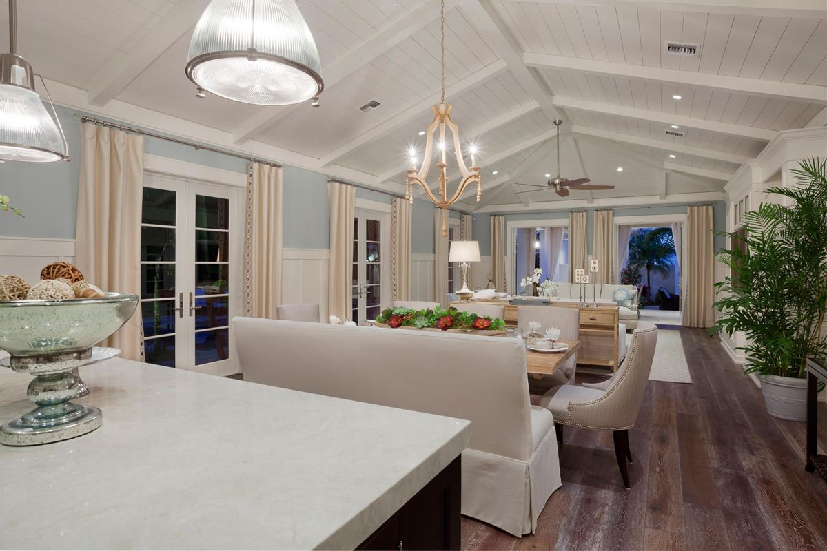 Mansions in magnificent estate showcases timeless elegance