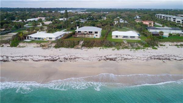 Luxury properties cozy oceanfront bungalow