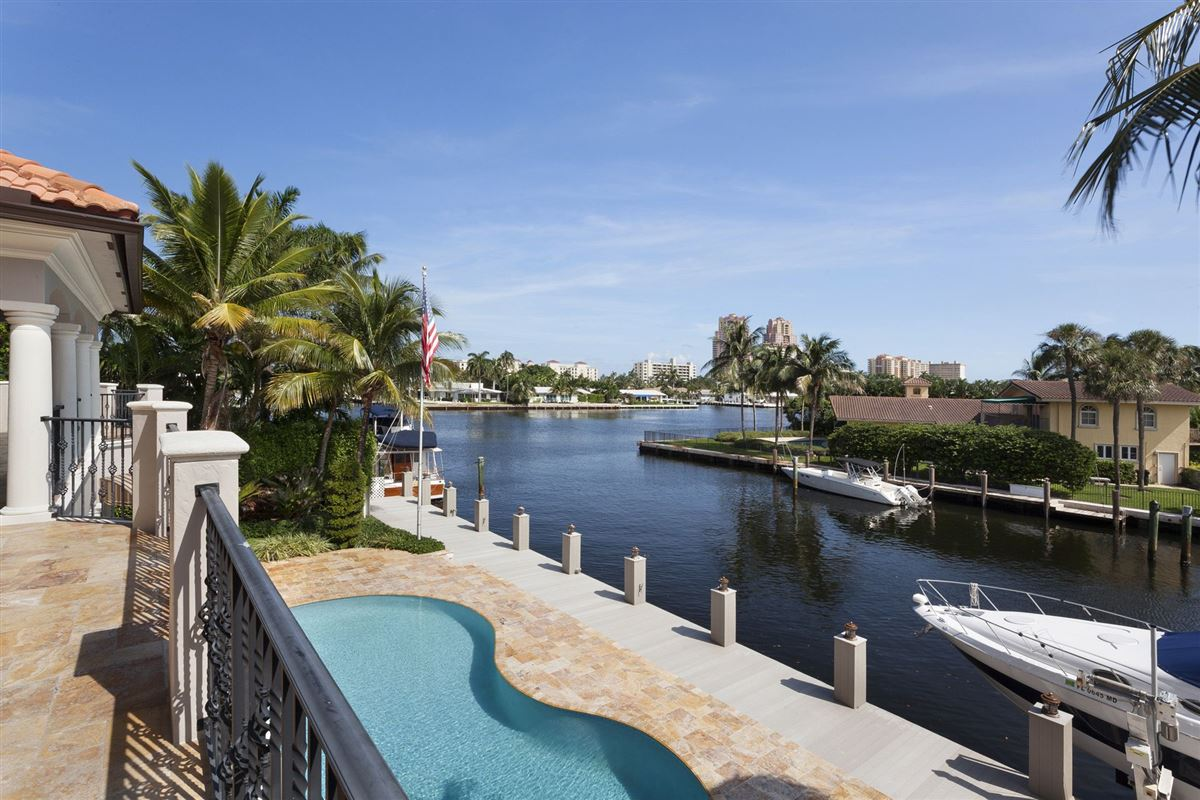 Luxury homes in One home from Intracoastal
