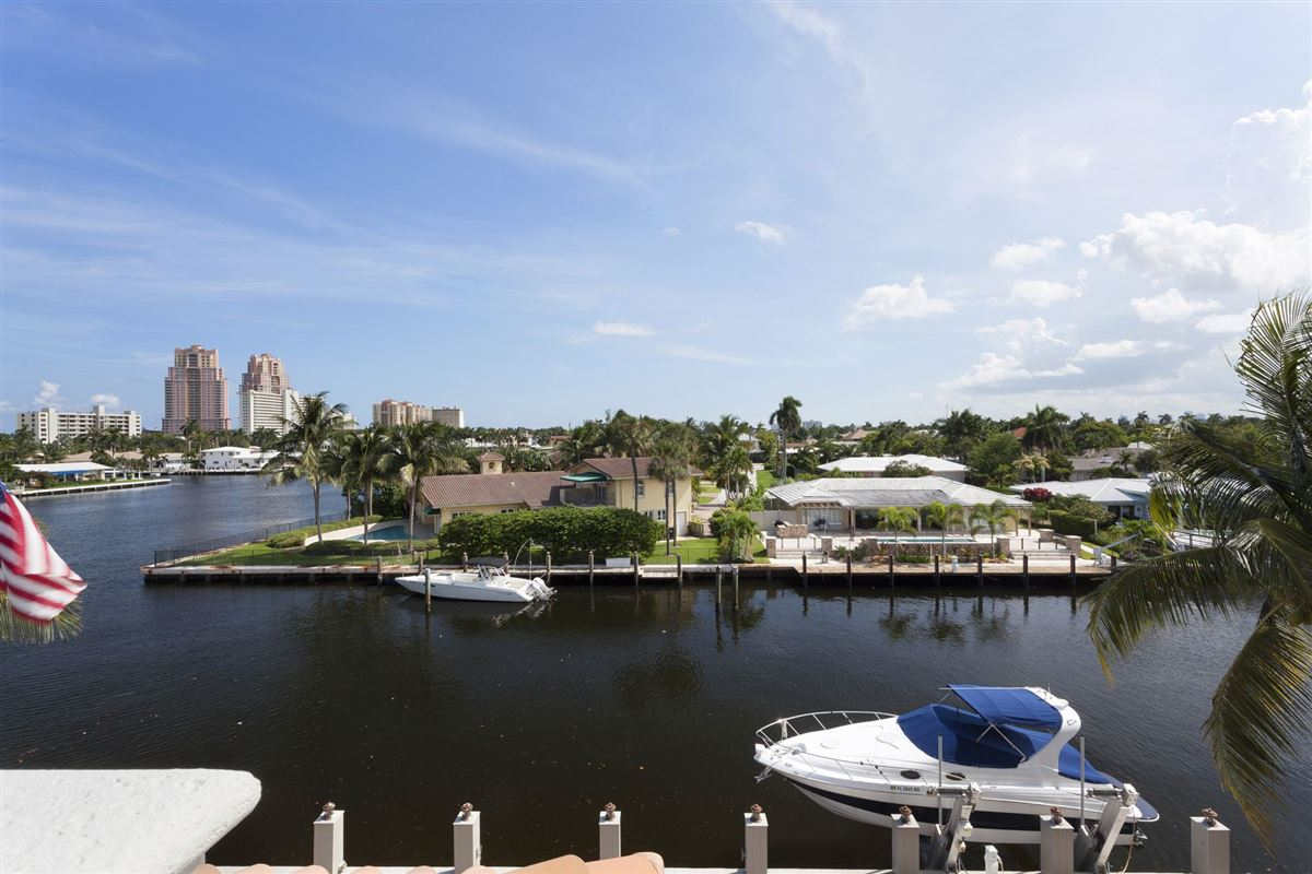 Mansions in One home from Intracoastal