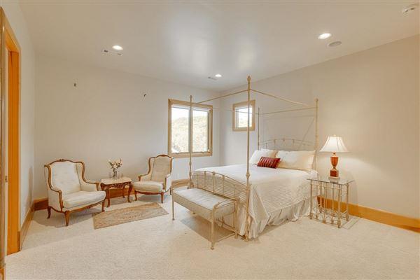 Luxury homes Splendid, custom built home