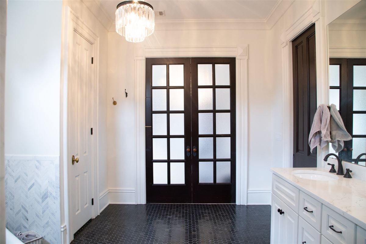 Historic Grace and Modern Elegance In The Heart Of Nashville luxury real estate