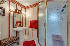 Luxury properties Rare 133-plus acre property
