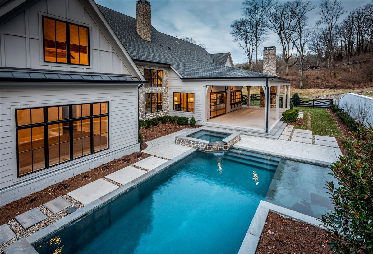 rustic sophisticated country living luxury homes