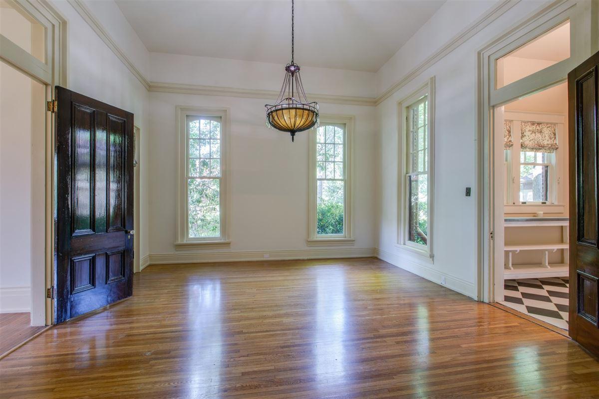 Luxury properties the Turley-Marshall House