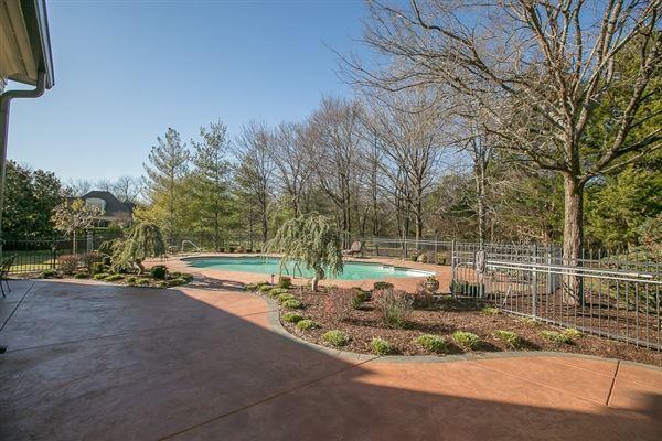 Luxury homes beautiful Murfreesboro home
