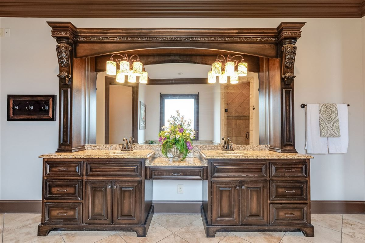 four-season resort style property mansions