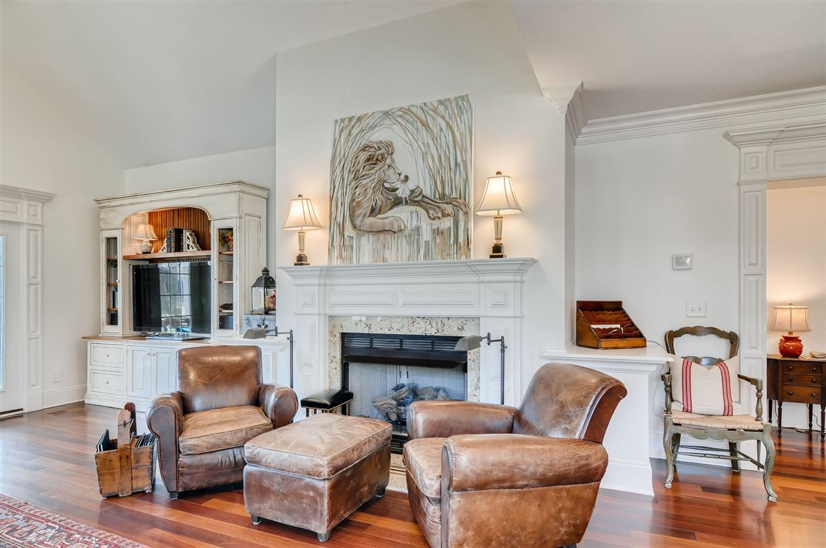 Luxury real estate Unique opportunity in franklin