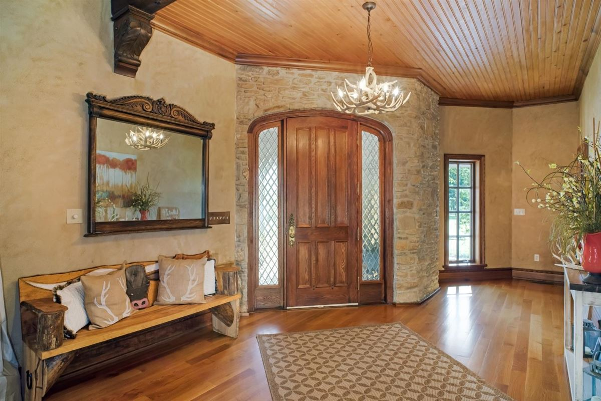 Luxury homes Chateau at Shiloh