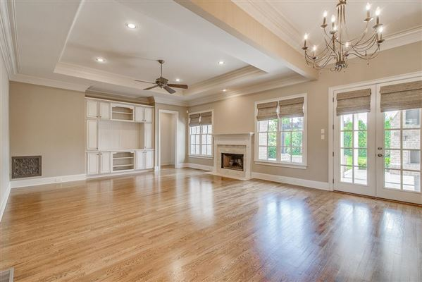 Luxury homes a Custom single level home in college grove