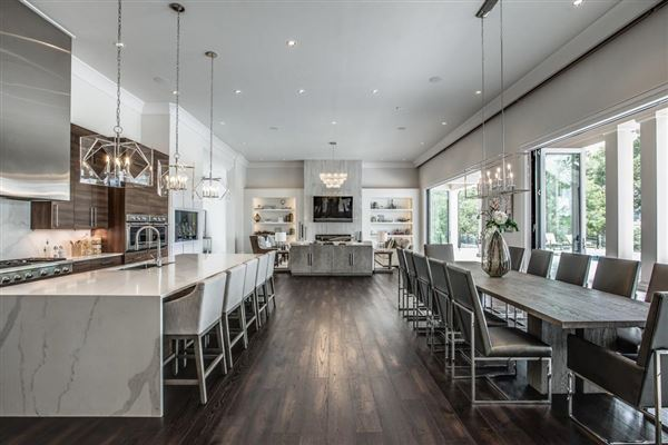 Mansions Designed with luxury and entertaining in mind