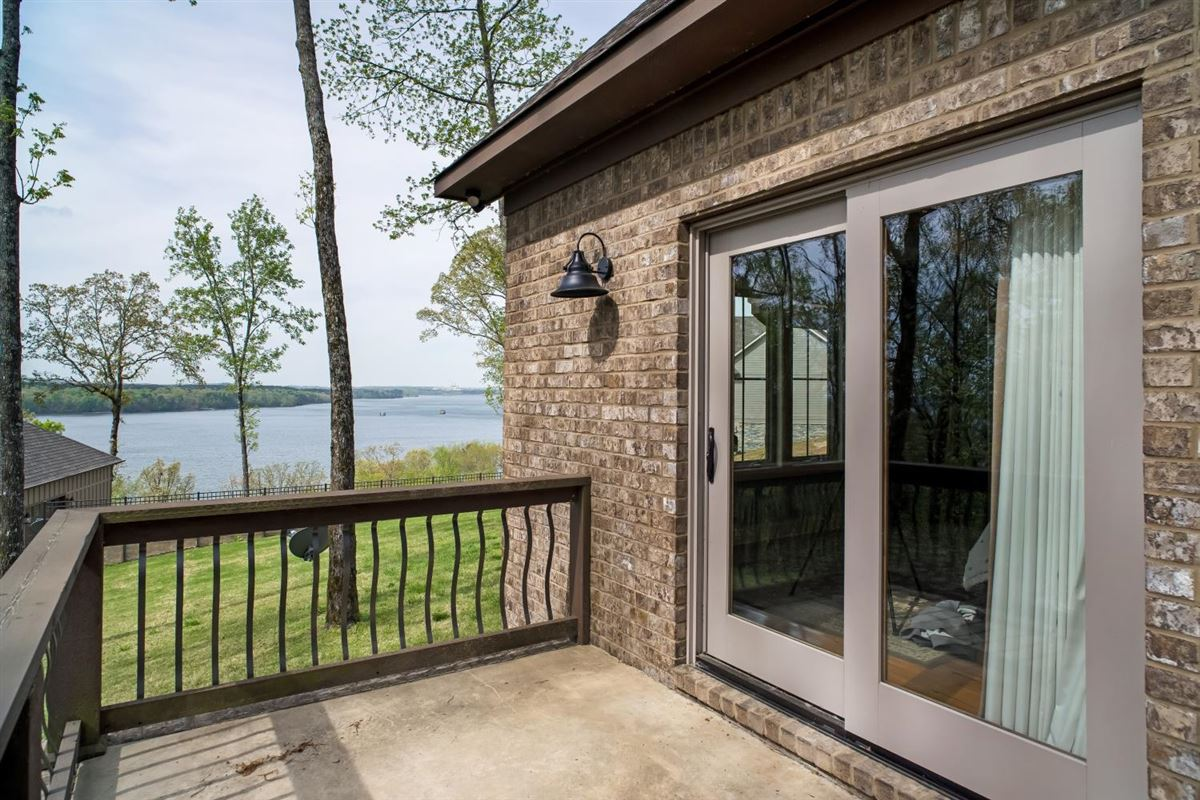 Mansions PICKWICK LAKE WATERVIEW with boatslip