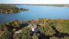 Luxury properties the gated waterfront estate of Kelly Clarkson