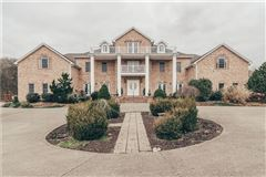 large property in Goodlettsville luxury properties