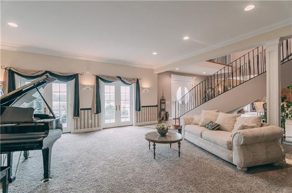 Luxury homes large property in Goodlettsville