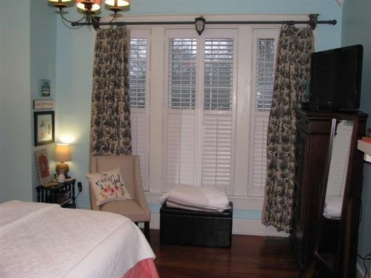 Luxury properties Beautiful Home with Historic Charm Awaits