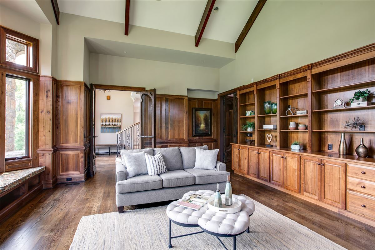 Luxury homes in a prestigious and storied Franklin property