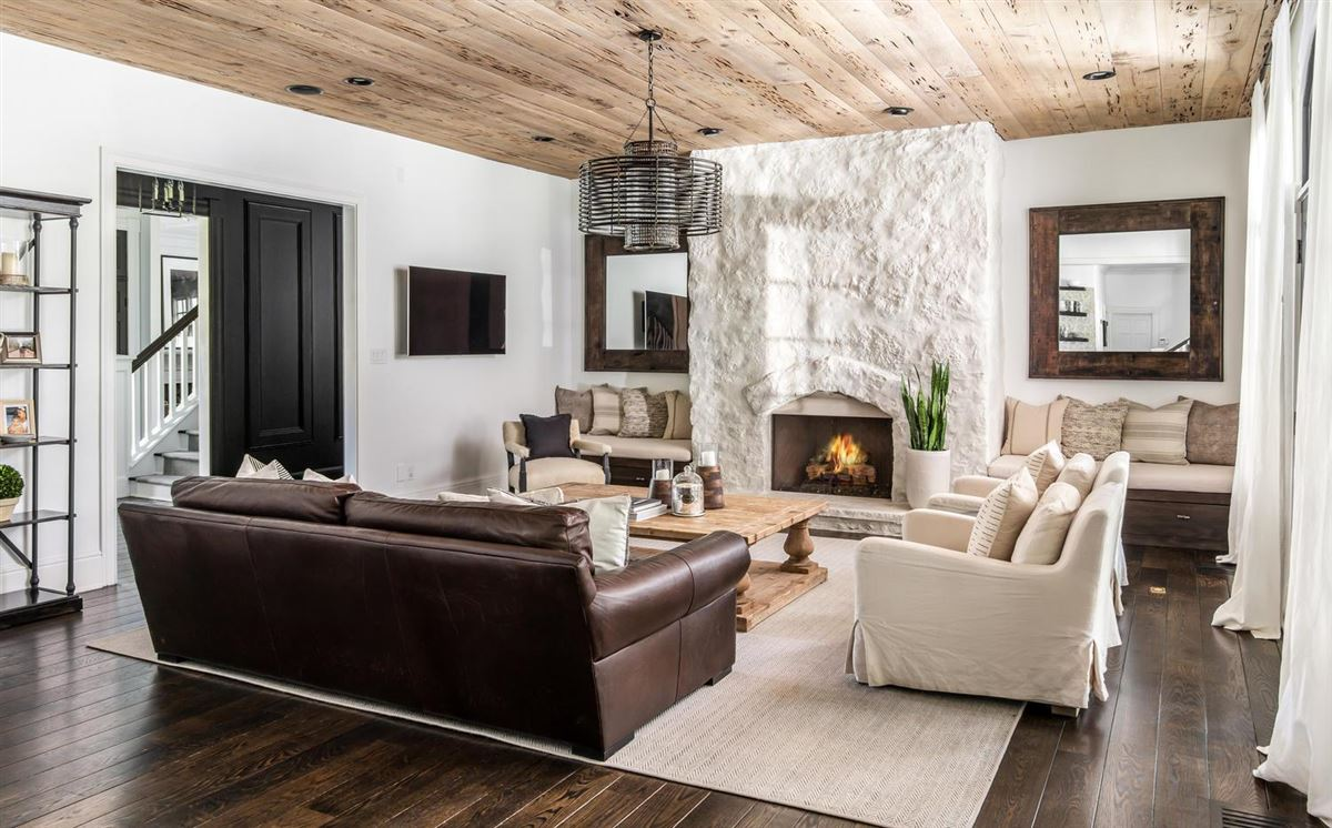 Luxury real estate Exclusivity meets convenience in Forest Hills