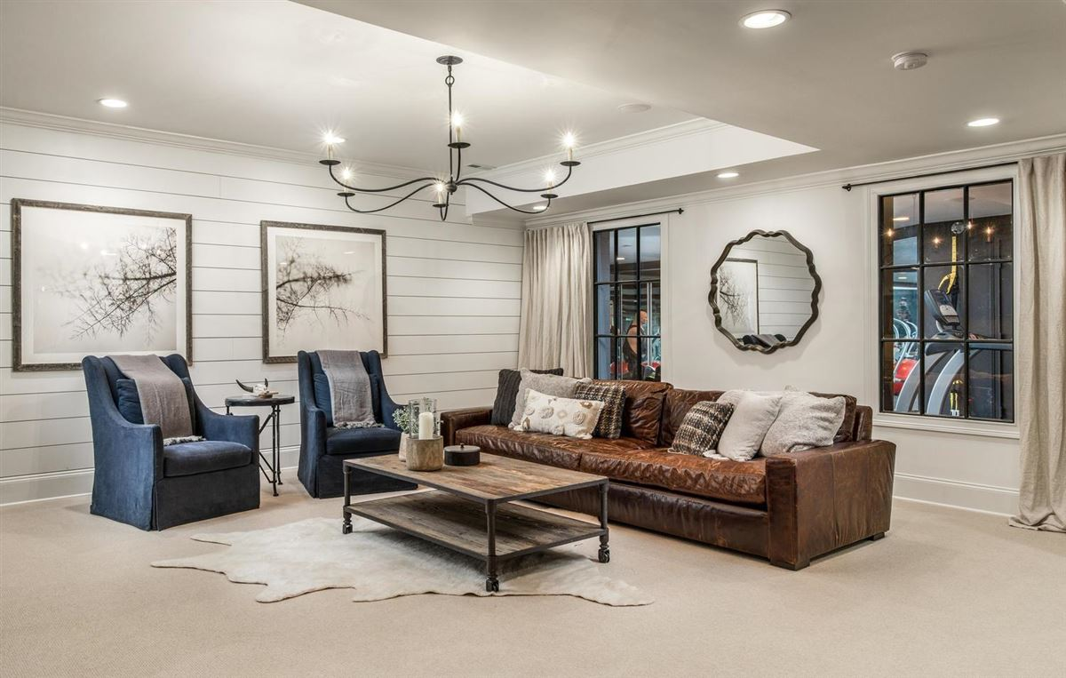 Luxury homes Exclusivity meets convenience in Forest Hills