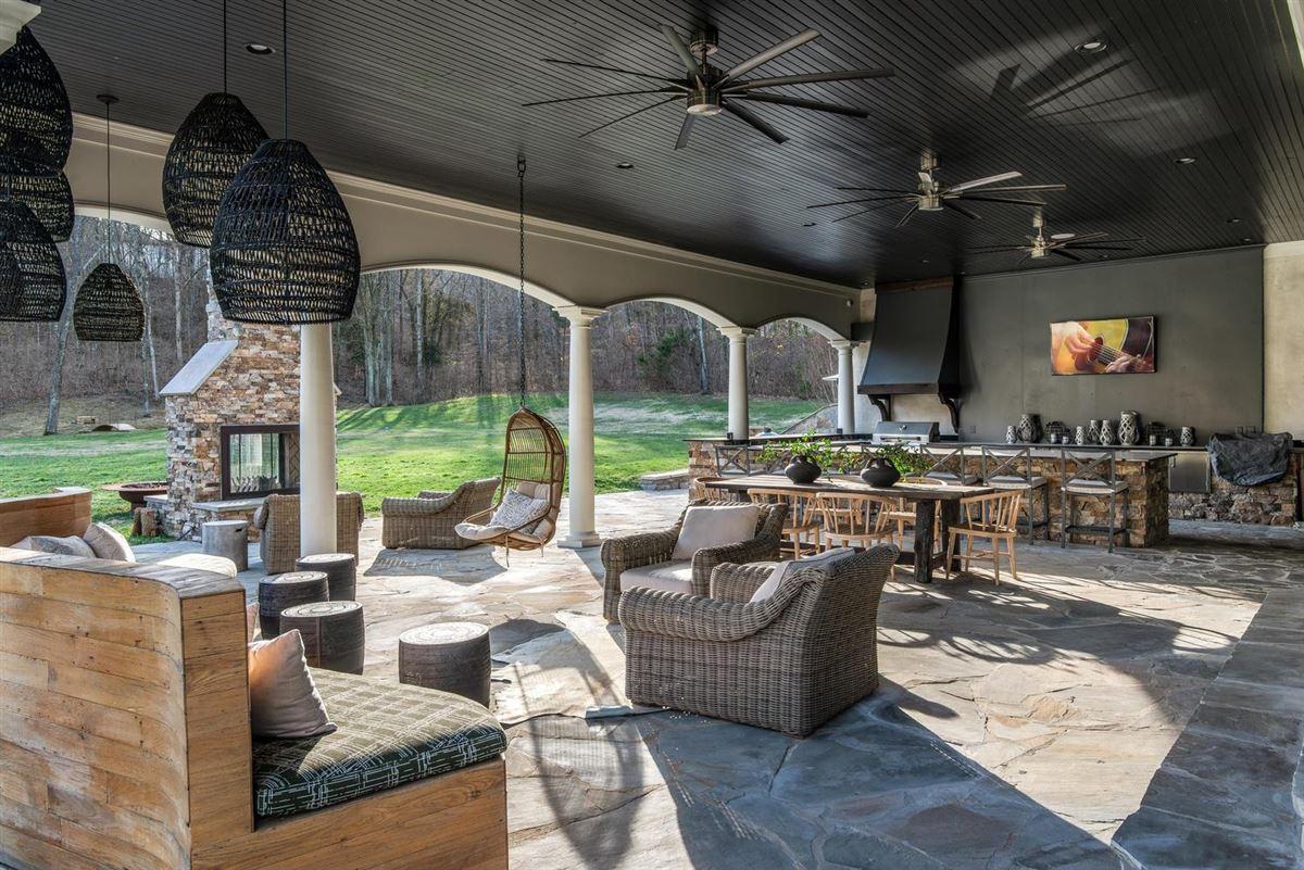 Luxury properties Exclusivity meets convenience in Forest Hills