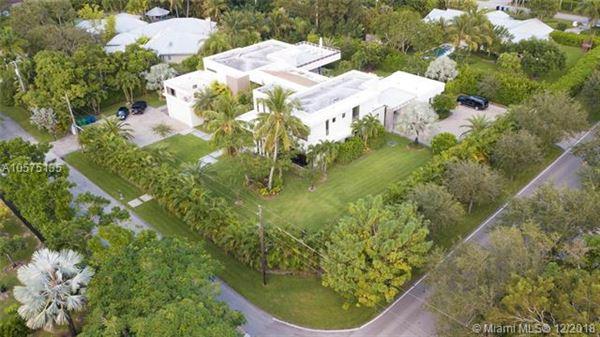 unique two-story estate mansions