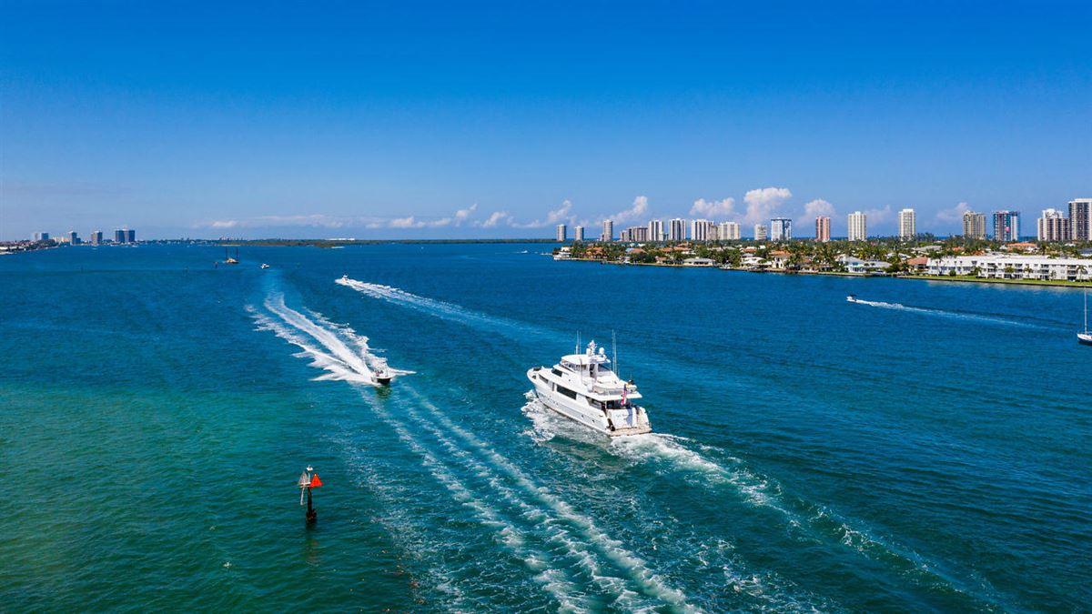 Luxury properties Private Dock