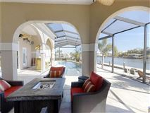 Luxury homes in better than new boaters dream home