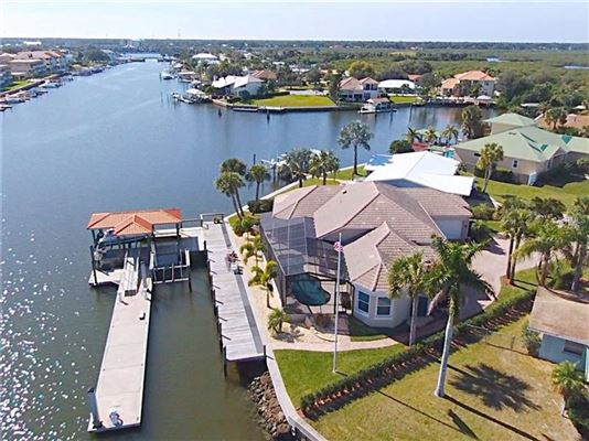 Luxury homes better than new boaters dream home