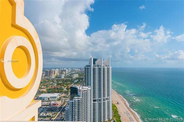 Luxury real estate Luxurious penthouse in exclusive Acqualina Residence and Resort