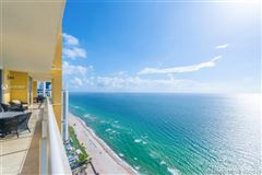Luxury homes Luxurious penthouse in exclusive Acqualina Residence and Resort