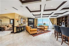 Luxury properties Luxurious penthouse in exclusive Acqualina Residence and Resort