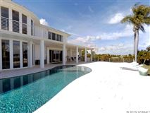 Luxury properties Thoughtfully and expertly built custom home