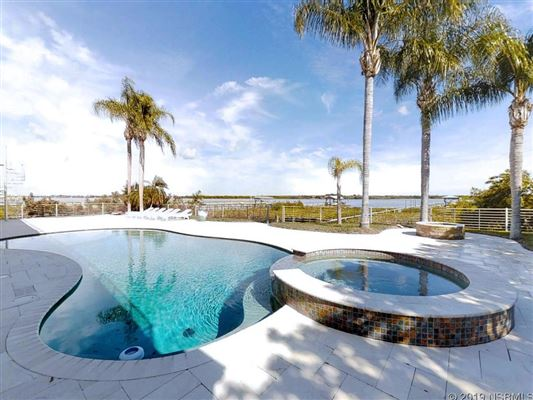 Thoughtfully and expertly built custom home luxury real estate