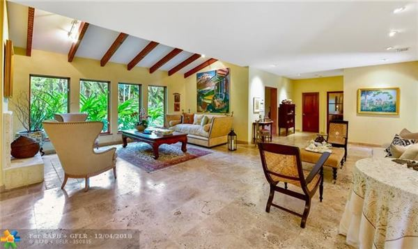 a beautiful property in Miami luxury properties