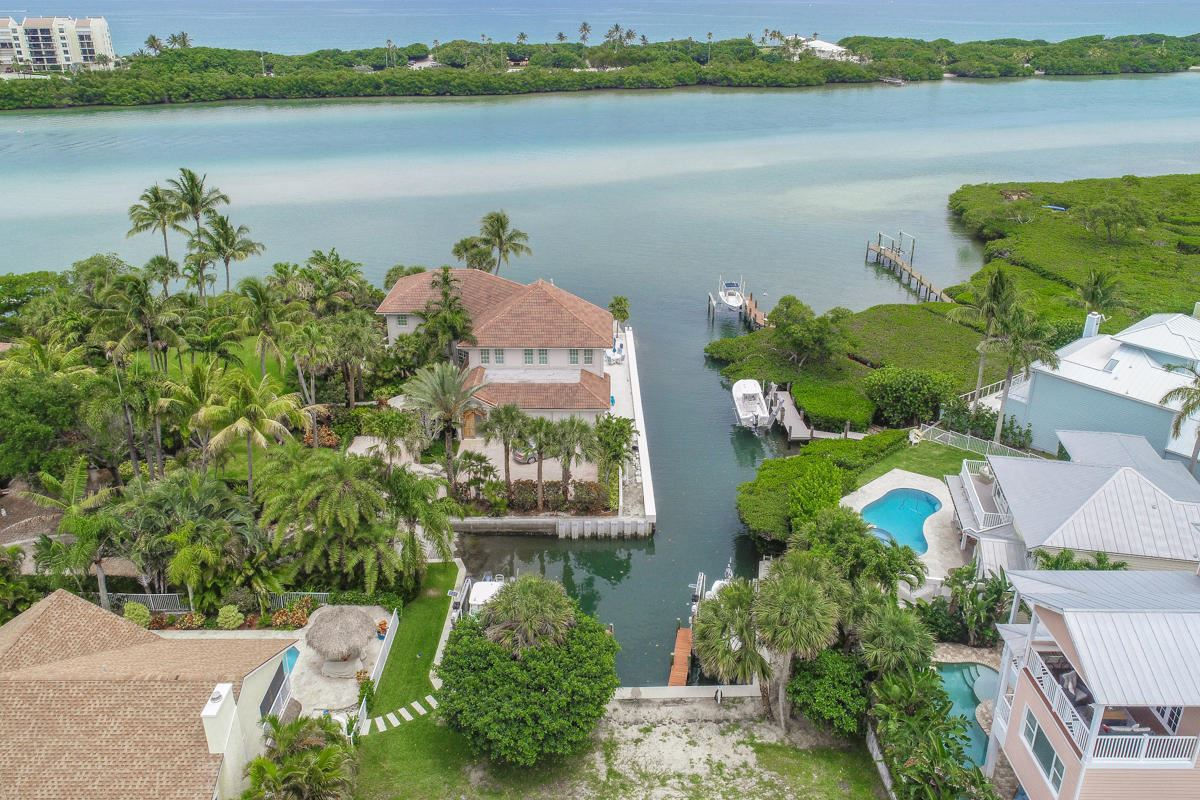 unique lot on a private cove mansions