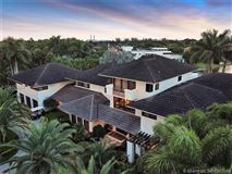 Luxury real estate Prestigious Trump National Doral Golf Course home