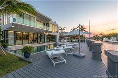 Contemporary waterfront masterpiece luxury properties