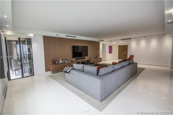 Prestigious Tiffany of Bal Harbour corner unit luxury real estate