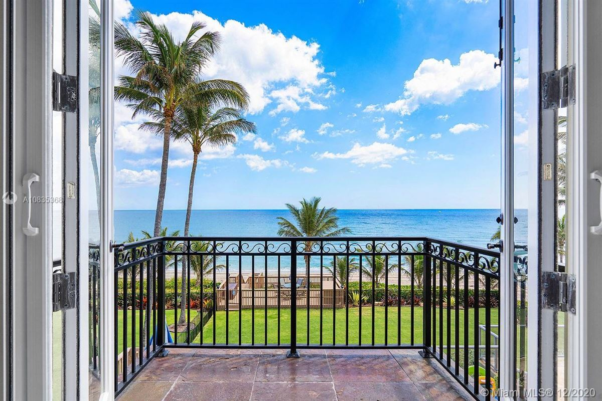 Mansions in Oceanfront gated estate on Hillsboro Mile