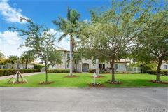 Mansions in beautiful Palmetto Bay two-story house